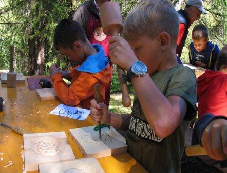 Livigno Family&Kids ART WORKSHOP – WOOD CARVING