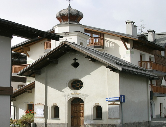 Livigno Family&Kids PLACES TO DISCOVER: VISIT TO THE CHURCH OF CARAVAGGIO AND ITS VOTIVE OFFERINGS  AND GUIDED OUR OF MUS!