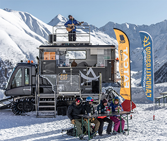 Livigno News WE INTRODUCE YOU THE FAT CAT! A WILD BREAK IN THE...