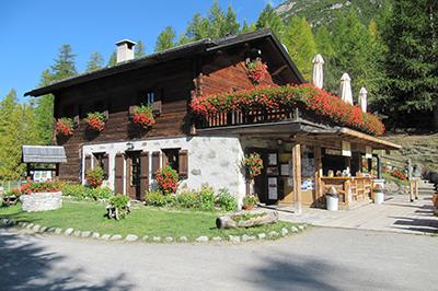 Livigno ESSEN & NACHTLEBEN Ristoro Alpisella