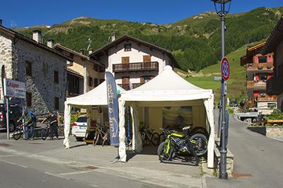 Livigno SHOPPING Rent a bike