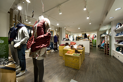 Livigno SHOPPING Simple Concept Store