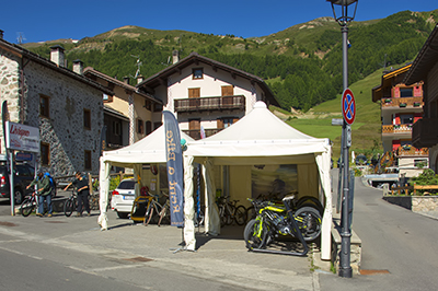 Livigno SHOPPING Rent a bike